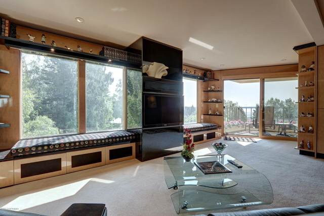 333 M Street #302, Anchorage, AK 99501 (MLS #21-10293) :: Wolf Real Estate Professionals
