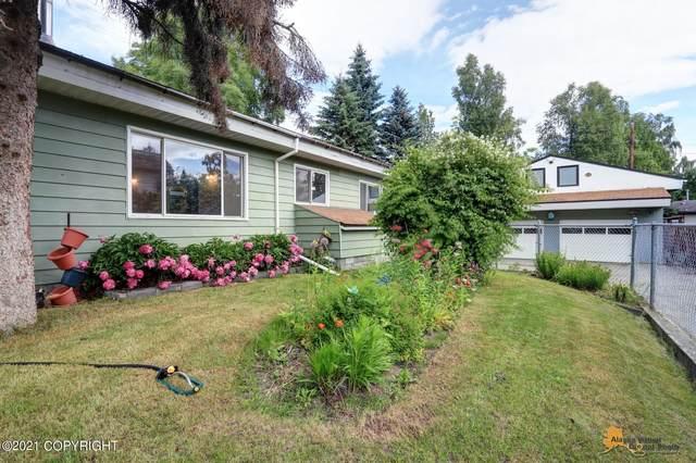 105 Bunnell Street, Anchorage, AK 99508 (MLS #21-10958) :: Daves Alaska Homes