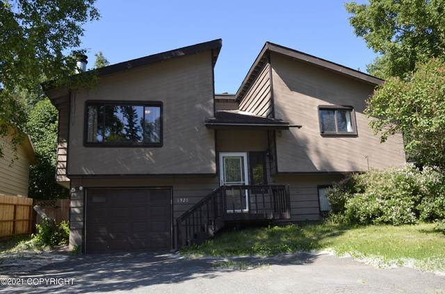 6920 Oakwood Drive, Anchorage, AK 99507 (MLS #21-11649) :: Wolf Real Estate Professionals