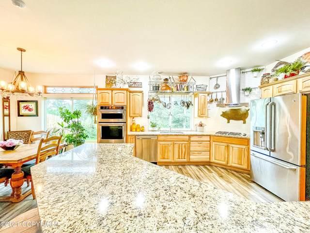 2825 S Donnas Way, Wasilla, AK 99654 (MLS #21-11653) :: Berkshire Hathaway Home Services Alaska Realty Palmer Office