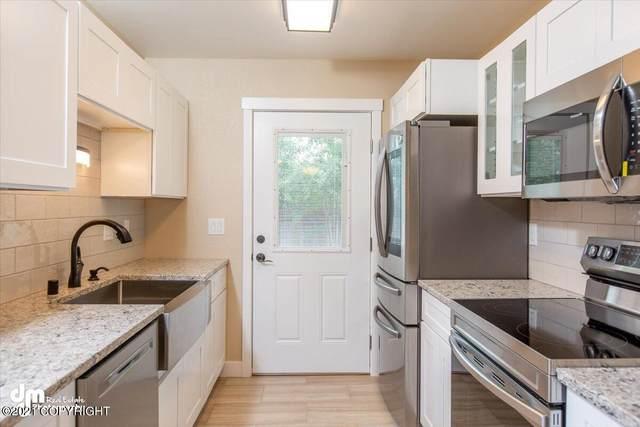 1260 Golden Berry Avenue, Anchorage, AK 99502 (MLS #21-11749) :: Alaska Realty Experts