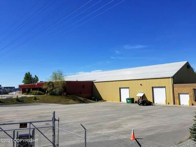 700 Bragaw Street, Anchorage, AK 99503 (MLS #21-11939) :: Synergy Home Team