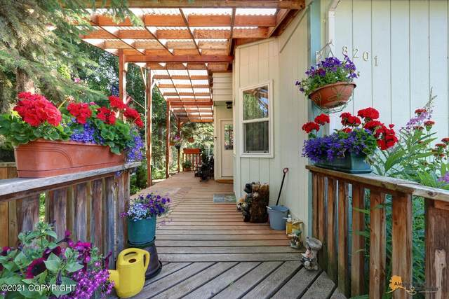 8201 Seaview Street, Anchorage, AK 99502 (MLS #21-12496) :: Berkshire Hathaway Home Services Alaska Realty Palmer Office