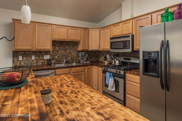 6515 Whispering Loop #B, Anchorage, AK 99504 (MLS #21-14392) :: Wolf Real Estate Professionals