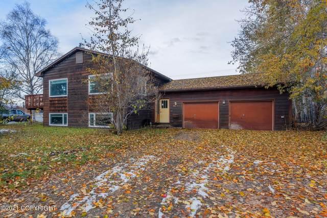 2112 Mccullam Avenue, Fairbanks, AK 99701 (MLS #21-15630) :: Wolf Real Estate Professionals