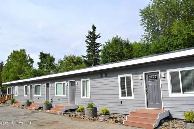 3005 W 30th Avenue #1, Anchorage, AK 99517 (MLS #21-16251) :: Alaska Realty Experts