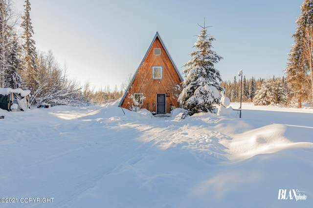 925 Typhoon Drive, North Pole, AK 99705 (MLS #21-2613) :: Wolf Real Estate Professionals