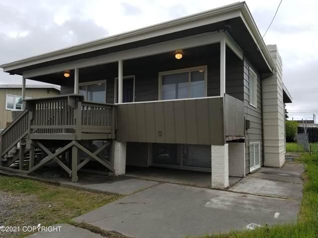 1103 W 30th Avenue, Anchorage, AK 99503 (MLS #21-4666) :: Team Dimmick
