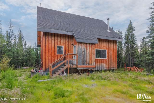 1835 E Waller Road, North Pole, AK 99705 (MLS #21-4805) :: Wolf Real Estate Professionals