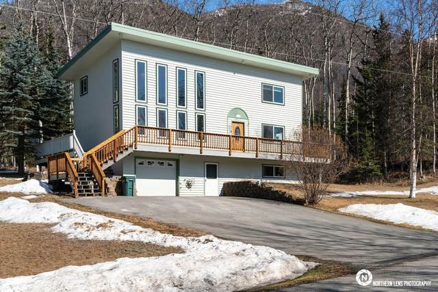 20137 David Avenue, Eagle River, AK 99577 (MLS #21-5057) :: Daves Alaska Homes