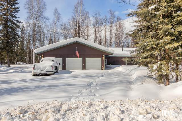 2663 Gordon Road, North Pole, AK 99705 (MLS #21-5349) :: Team Dimmick