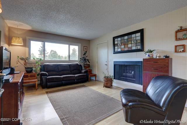 400 E 24th Ave Avenue #1, Anchorage, AK 99503 (MLS #21-5441) :: Powered By Lymburner Realty
