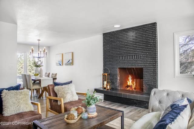 6725 E 4th Avenue, Anchorage, AK 99504 (MLS #21-5565) :: Daves Alaska Homes