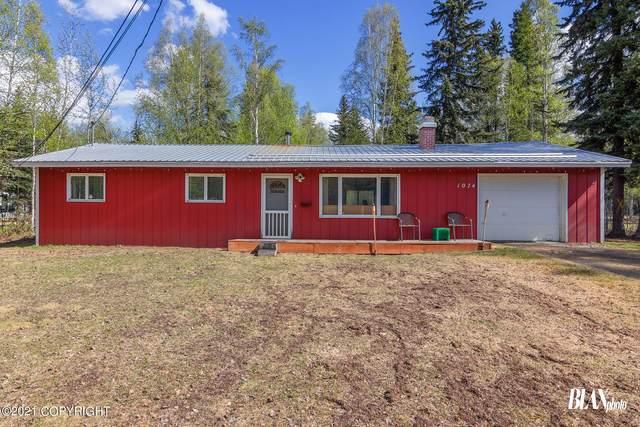 1074 Glenn Street, North Pole, AK 99705 (MLS #21-7850) :: Wolf Real Estate Professionals