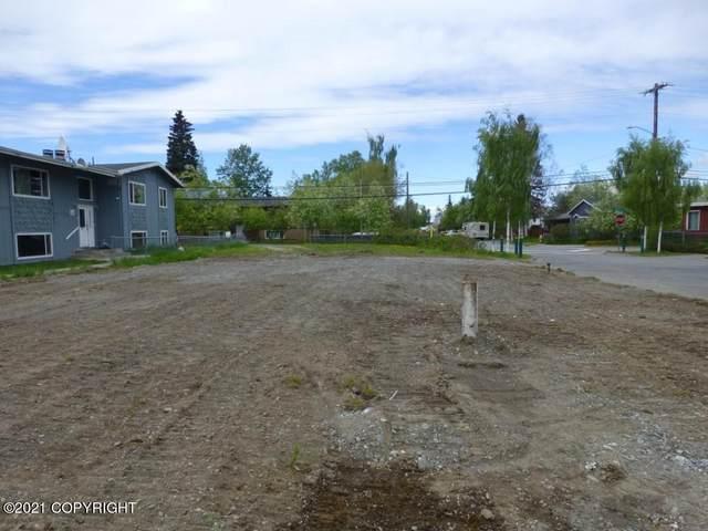 1118 E 11th Avenue, Anchorage, AK 99501 (MLS #21-8323) :: Alaska Realty Experts