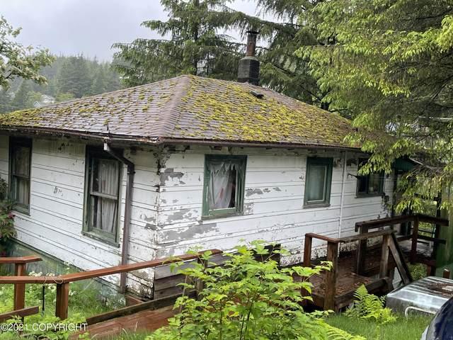809 Peterson Street, Ketchikan, AK 99901 (MLS #21-8324) :: Berkshire Hathaway Home Services Alaska Realty Palmer Office