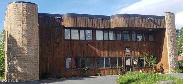 1411 W 33rd Avenue, Anchorage, AK 99503 (MLS #21-9070) :: RMG Real Estate Network | Keller Williams Realty Alaska Group