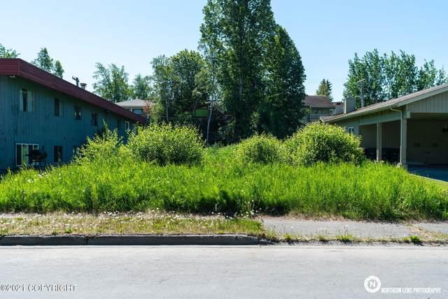426 E 11th Avenue, Anchorage, AK 99501 (MLS #21-9662) :: Daves Alaska Homes