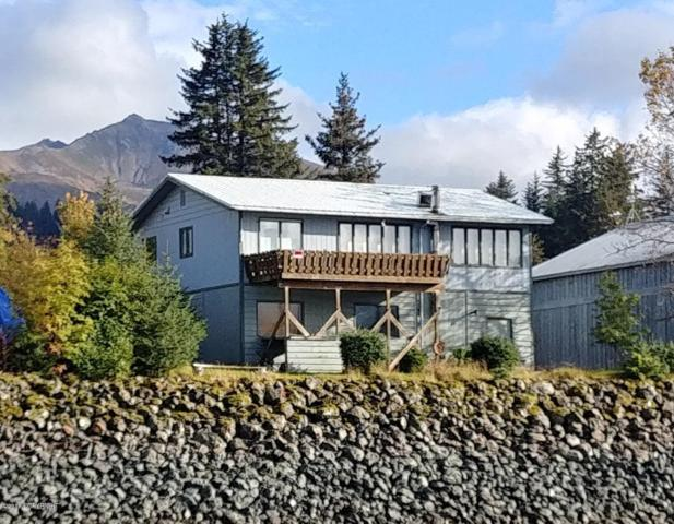 173 Main Street, Seldovia, AK 99663 (MLS #18-16969) :: The Adrian Jaime Group | Keller Williams Realty Alaska