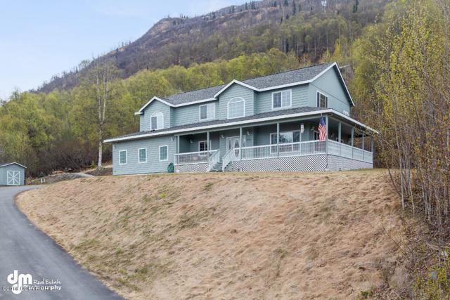 19730 Stonehill Drive, Eagle River, AK 99577 (MLS #18-7542) :: Core Real Estate Group