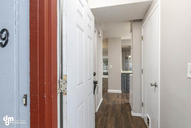 13103 Brandon Street #9, Anchorage, AK 99515 (MLS #20-12184) :: RMG Real Estate Network | Keller Williams Realty Alaska Group