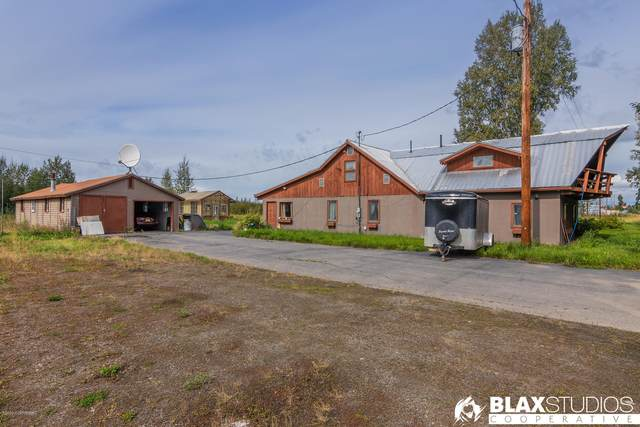 3065 H&H Road, North Pole, AK 99705 (MLS #20-12930) :: The Adrian Jaime Group | Keller Williams Realty Alaska