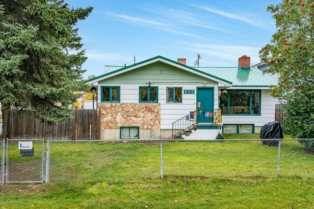 605 Pearl Drive, Anchorage, AK 99518 (MLS #20-14386) :: Alaska Realty Experts