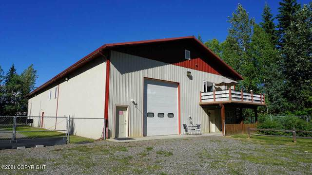 2745 Hanson Road, Fairbanks, AK 99709 (MLS #21-10041) :: Alaska Realty Experts