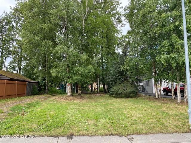 802 Irwin Street, Anchorage, AK 99508 (MLS #21-11602) :: RMG Real Estate Network | Keller Williams Realty Alaska Group