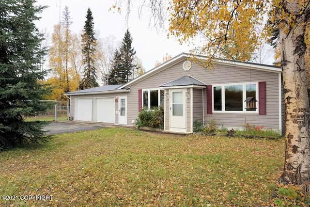2352 Broadmoor Avenue, Fairbanks, AK 99709 (MLS #21-15312) :: Team Dimmick