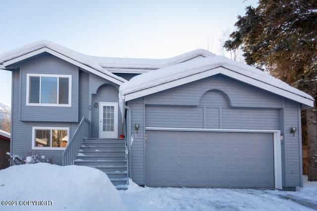 8812 Dome Circle, Eagle River, AK 99577 (MLS #21-3476) :: Daves Alaska Homes