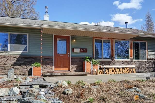 1727 Logan Street, Anchorage, AK 99508 (MLS #21-6927) :: Daves Alaska Homes