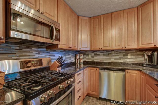 9502 Puffin Circle, Eagle River, AK 99577 (MLS #17-17193) :: RMG Real Estate Experts