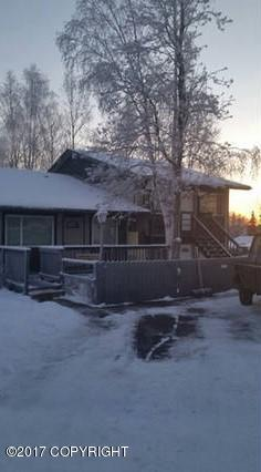 3530 View Park Circle, Anchorage, AK 99502 (MLS #17-14261) :: RMG Real Estate Experts