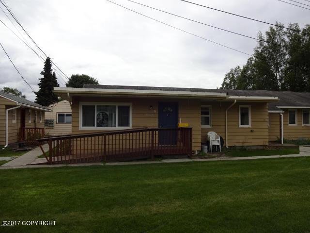 1600 W 11th Avenue #32, Anchorage, AK 99501 (MLS #17-15919) :: Channer Realty Group