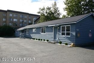 1030 W 26th Avenue, Anchorage, AK 99503 (MLS #17-15976) :: Real Estate eXchange