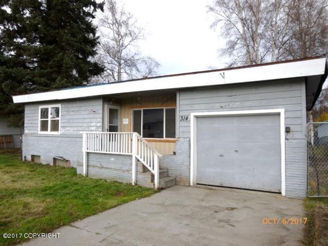 314 Dunbar Avenue, Fairbanks, AK 99701 (MLS #17-17232) :: Channer Realty Group