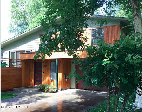 1617 W 14th Avenue, Anchorage, AK 99501 (MLS #17-17827) :: RMG Real Estate Experts