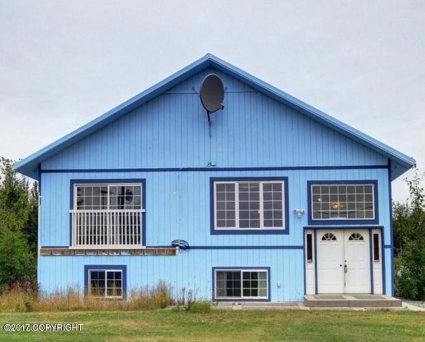 8681 W Gus's Court, Wasilla, AK 99623 (MLS #17-18223) :: Real Estate eXchange
