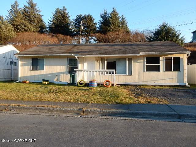 514 Carolyn Street, Kodiak, AK 99615 (MLS #17-18442) :: Real Estate eXchange