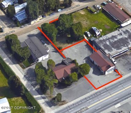 549 W Fireweed Lane, Anchorage, AK 99503 (MLS #17-19087) :: Core Real Estate Group