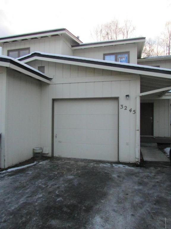 3245 Eastgate Place, Anchorage, AK 99504 (MLS #17-19734) :: RMG Real Estate Experts