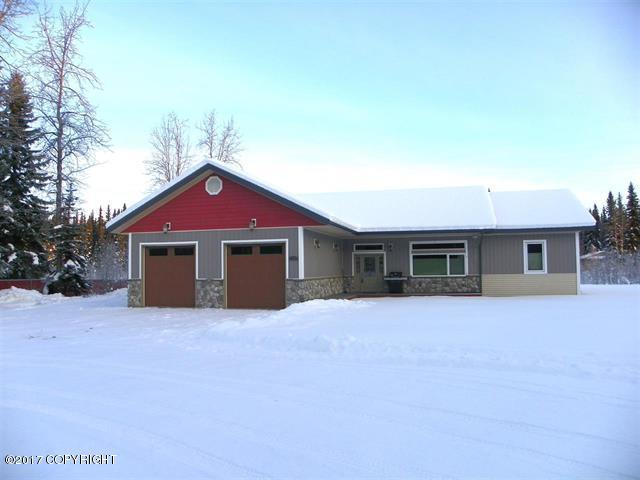 3256 Kris Kringle Drive, North Pole, AK 99705 (MLS #17-19985) :: Northern Edge Real Estate, LLC