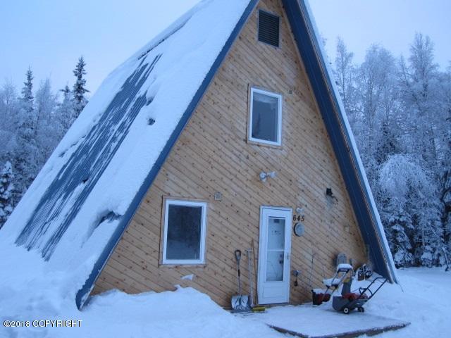 645 Hurricane Drive, Fairbanks, AK 99701 (MLS #18-1020) :: Real Estate eXchange