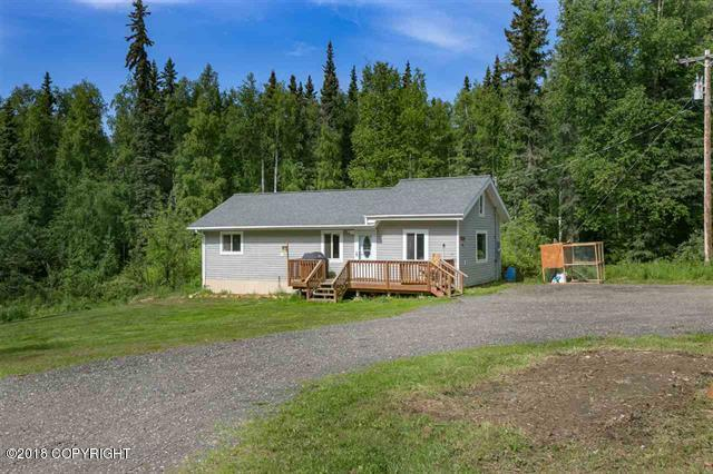 243 Pearl Drive, Fairbanks, AK 99712 (MLS #18-10878) :: Synergy Home Team