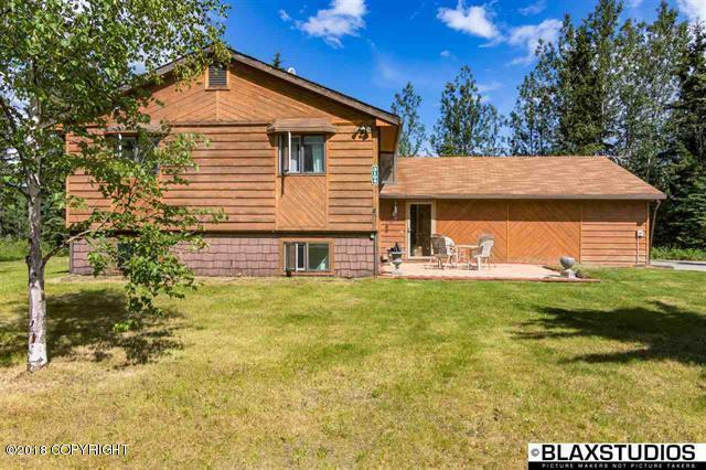 3194 Brookview Lane, North Pole, AK 99705 (MLS #18-10979) :: Channer Realty Group