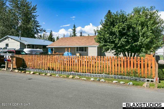 2006 Central Avenue, Fairbanks, AK 99709 (MLS #18-11293) :: Channer Realty Group