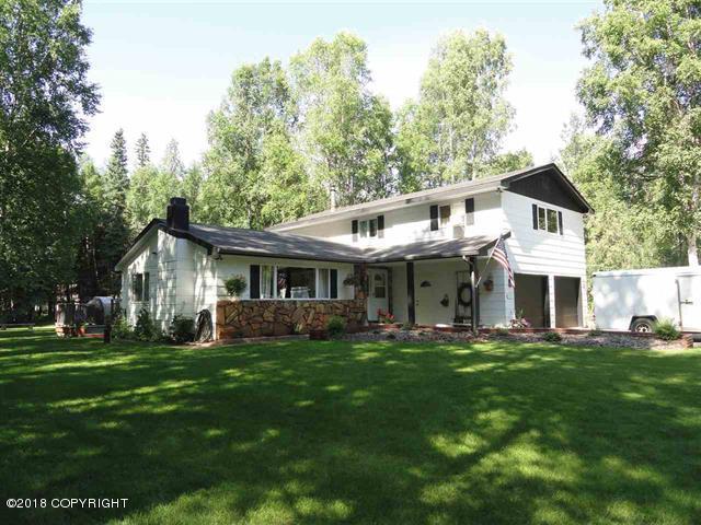 2135 Loose Moose Loop, North Pole, AK 99705 (MLS #18-11617) :: Real Estate Brokers of Alaska