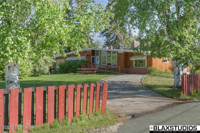 3027 Riverview Drive, Fairbanks, AK 99709 (MLS #18-11670) :: Channer Realty Group