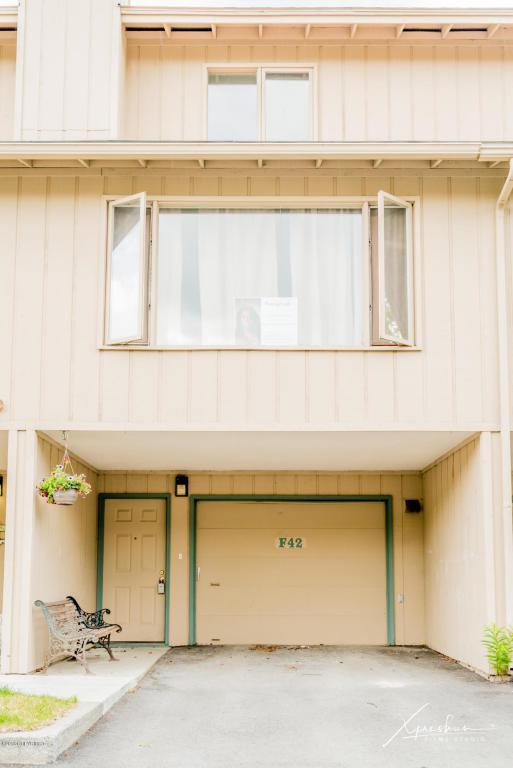 8101 Peck Avenue #F-42, Anchorage, AK 99504 (MLS #18-12051) :: RMG Real Estate Network | Keller Williams Realty Alaska Group